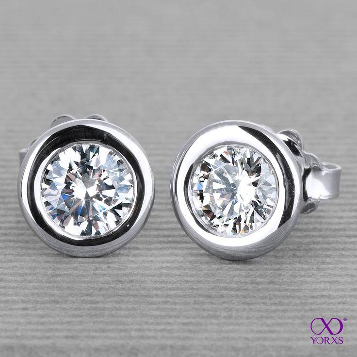 """""""Palici"""" with 0.63 ct brilliant each. Aren´t they georgeous? #palici #diamantohrstecker #brillanten #diamanten #diamantschmuck #konfigurerieren #designen #design #zertifiziert #sicherkaufen #luxus #jewellery #diamonds #yorxs"""