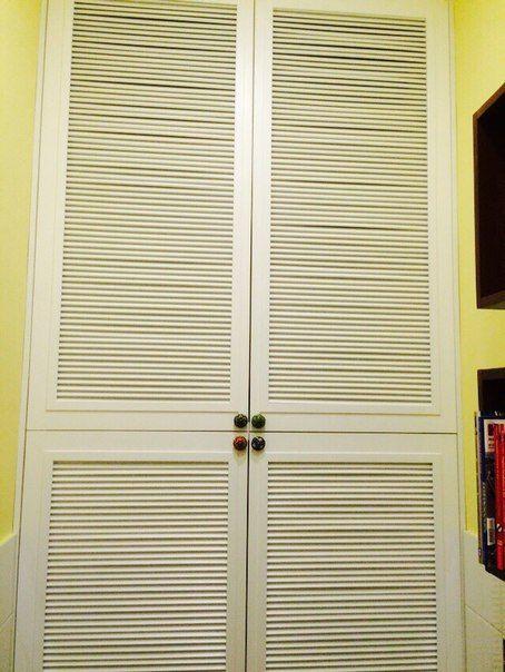 Двери для встроенного шкафа в ванной комнате, массив дуба
