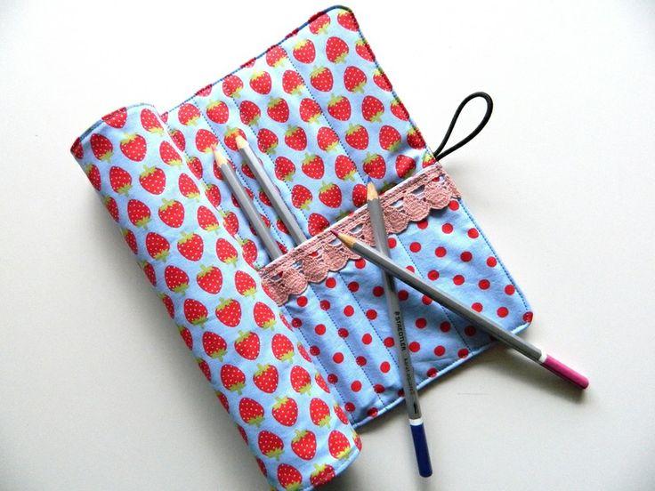 Rollmäppchen, Federmäppchen, Stifterolle  von rosarot-designs auf DaWanda.com