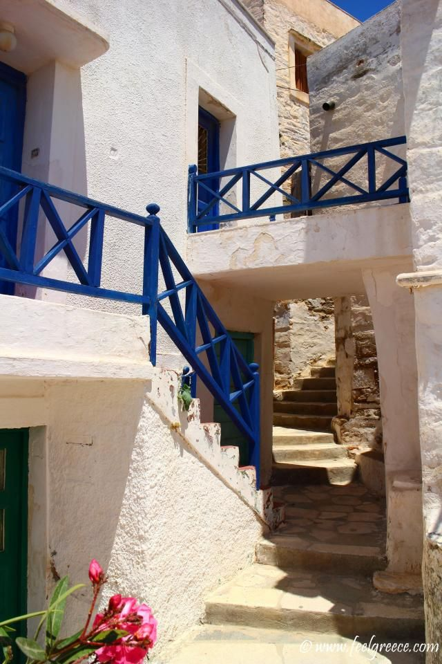 Stairways labyrinth; photo from Ano Syros, Syros