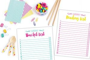 Awesome summer bucket list and summer reading list!! Print these out for for a Perfect first step!