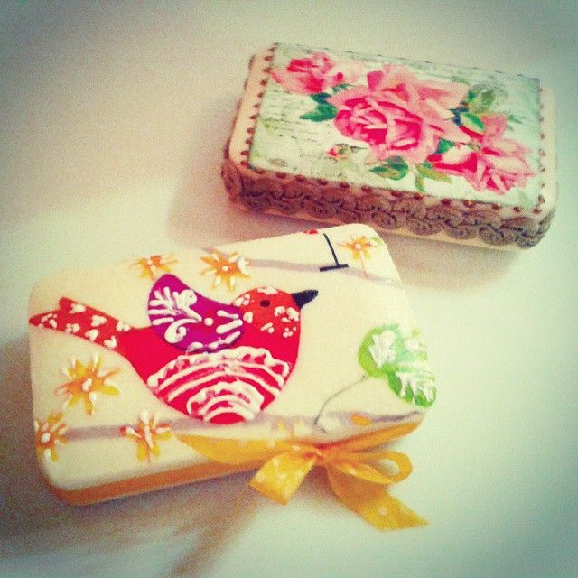 Sofia's vintage soaps! Today's Decoupage workshop at Art2Art!  #decoupage #vintage #soap #soaps #colours #painting #art #roses #crafts #skg #thessaloniki #artist #lace #drawing #drawings #bird #paintings #watercolor #ink #collage #creative #sketch #handmade #pencil #arte #artwork #Art2Art #color #colour #tagstagramers