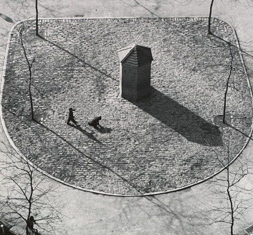 Andre Kertesz Beekman Terrace N.Y 1946