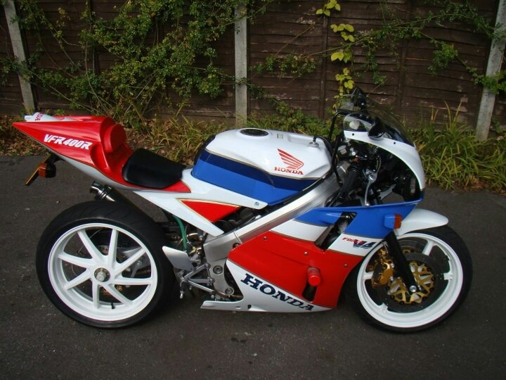 I must do up my Honda VFR400 NC30 soon, poor thing is just sitting in my garage.