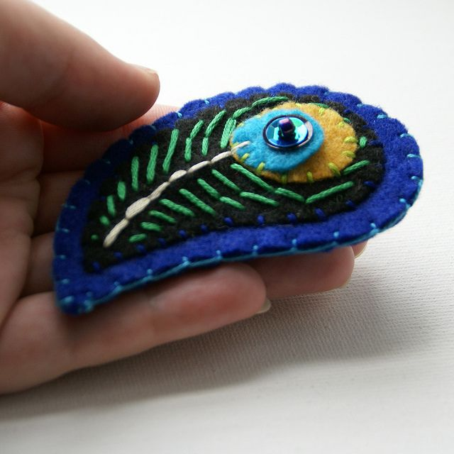 peacock feather brooch, bakerswifemadeit on Flickr