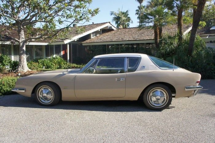 Raymond Loewys personal Avanti going up for auction