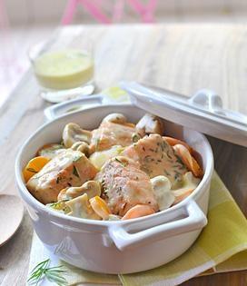 Blanquette de saumon au Roquefort recette ici : http://www.enviedebienmanger.fr/fiche-recette/recette-blanquette-de-saumon-au-roquefort