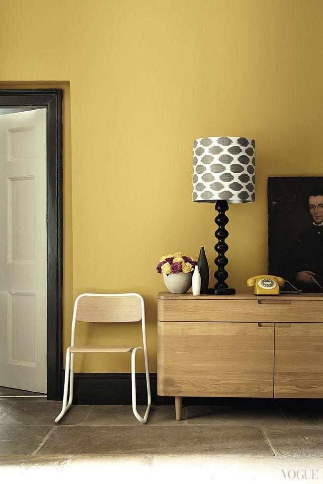 Оттенки Yellow Pink и Lamp Black, краски Little Greene