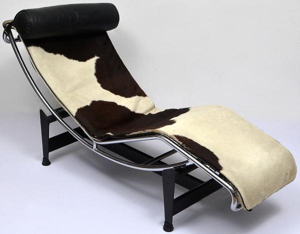 Le Corbusier (1928) . Chaise Longue. Utiliza elementos estruturais com almofada de couro acolchoado