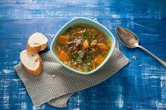 Zo op tafel, lekker voordelig en slank én hartstikke lekker. Genoeg redenen dus om deze soep te proeven! - Recept - Allerhande