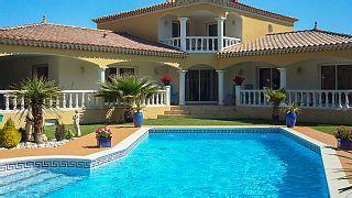 PROMO+DERNIERE+MINUTE+Maison+de+Charme+250+m2+clim+piscine++5+mn++AVIGNON+++++Location de vacances à partir de Alpilles @homeaway! #vacation #rental #travel #homeaway
