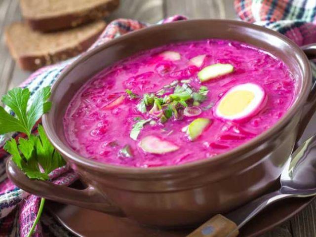 Свекольник: лучшие рецепты. Как приготовить вкусный холодный и горячий свекольник на квасе, с ботвой, на кефире, с колбасой?