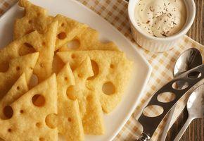 Эта воздушная закуска идеальна: подходит к кофе, чаю, пиву! Яркий сырный вкус, хрустящая основа, аппетитный вид — всё это гарантирует успех простого блюда. Для любителей улучшить рецепт предлагаем д…