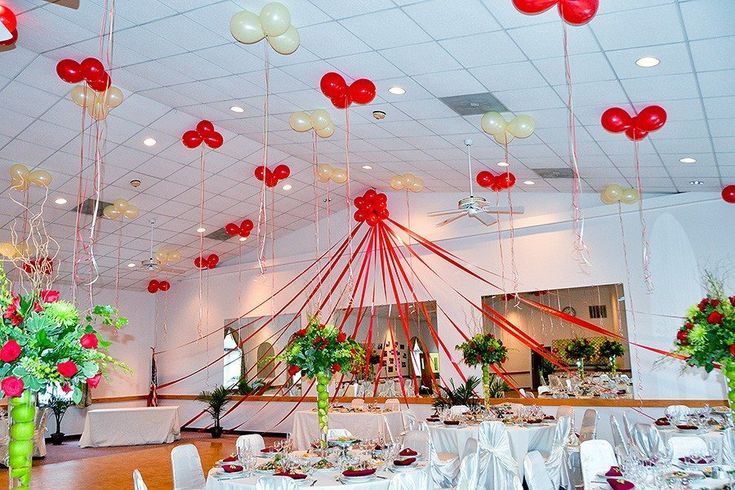 Red and white ceiling decorations very effective way to for Balloon decoration for ceiling