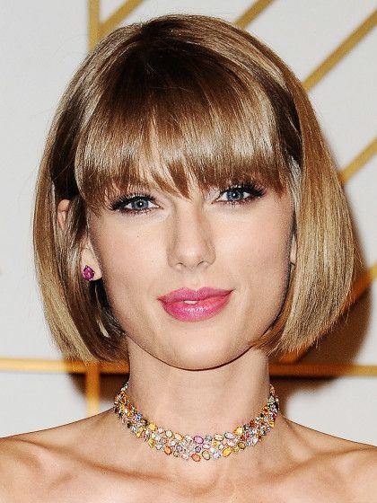 Taylor Swift erinnert mit ihrem neuen Bob mit Pony an Anna Wintour.