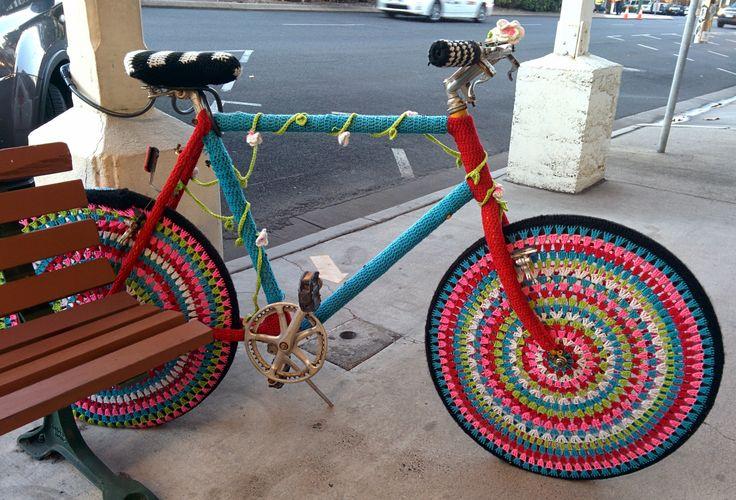 yarn bomb in cairns_20140717_175316