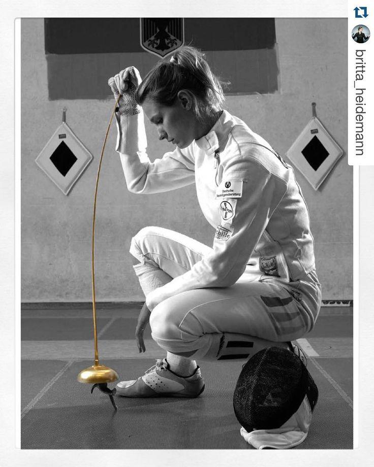 @britta_heidemann ready for the #FencingGrandPrix #epee in Doha Auf gehts in die nächste Runde. Dieses Wochenende steht ein wichtiger #GrandPrix auf dem Weg zur Olympiaquali 2016 an! Drückt die Daumen dass die Achillessehne hält. Getting back on the piste. This weekends Grand Prix tournament is an important step on the way to #Rio2016. Keep your fingers crossed that my achilles tendon takes the action well. #wirfuerd #fencing #DohaFGP #FencingGrandPrix #olympics2016 #roadtorio photo credit…