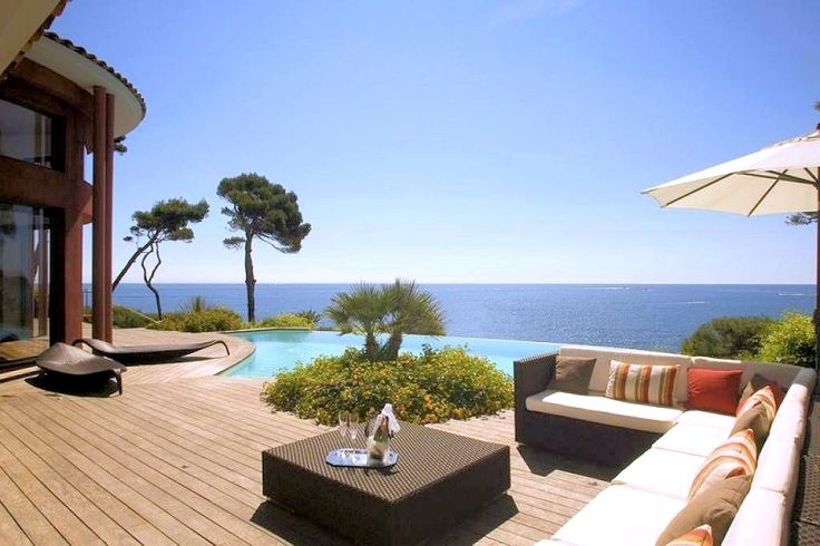 Pool with a seaview: the ideal villa to #relax #Antibes #IloveFrance #Pool #Sea