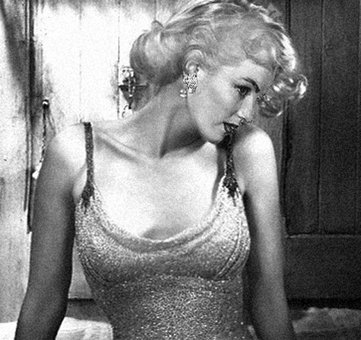 More Marilyn Monroe :))