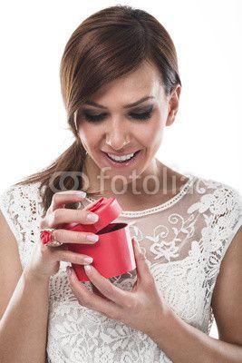 Beschenkte glückliche Frau