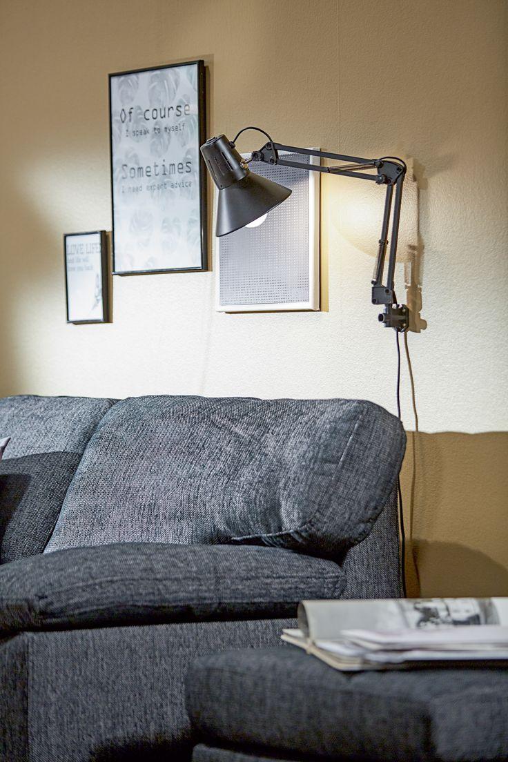 GEDSER sofa, GEDSER puff, ERNST lampe, detaljer | Casual Contrast | Skandinaviske hjem, nordisk design, Skandinavisk design, nordiske hjem, interiørdesign, innredning, stue, multifunksjonelle rom | JYSK