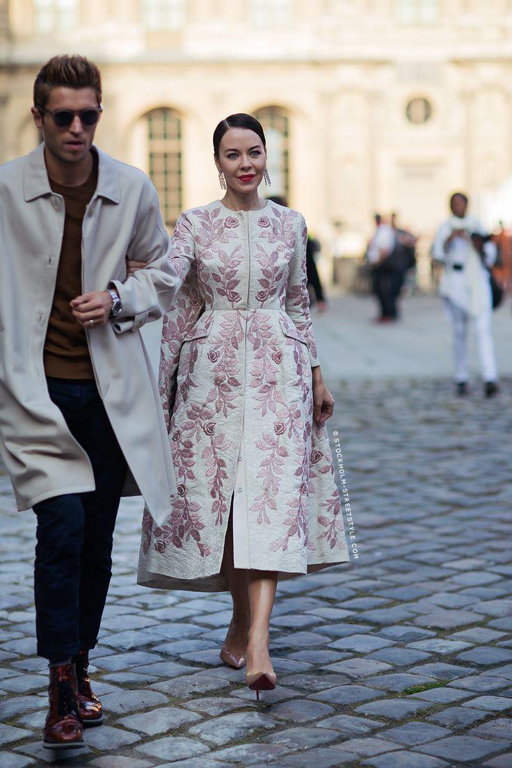#UlyanaSergeenko throwing some extraordinary into the mix. Paris.