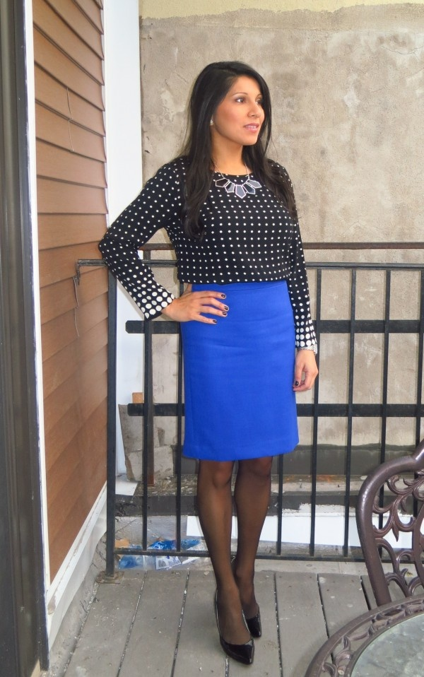 07298eded Pin by Nicole S on School/Work Outfits | Fashion, Royal blue skirts, Blue  pencil skirts