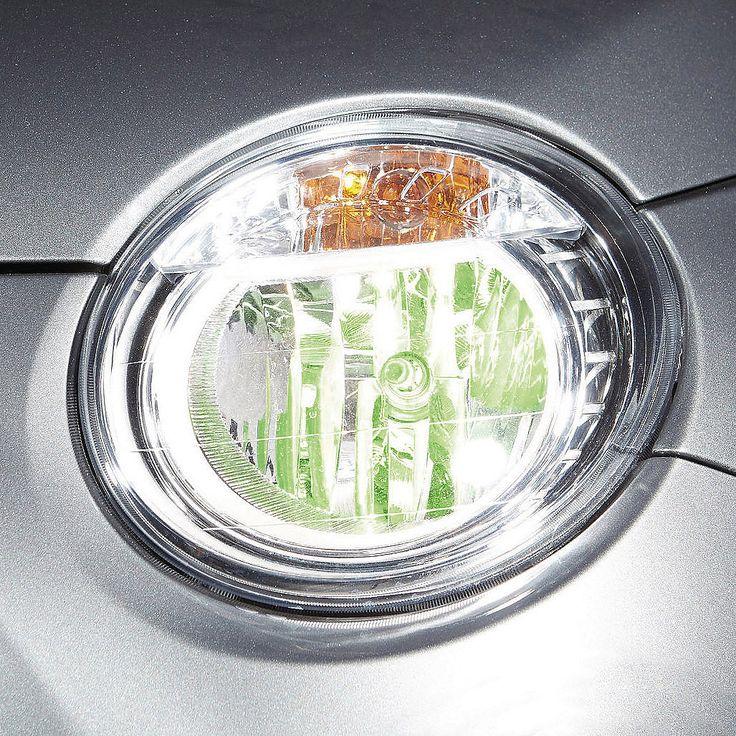 Philips Autolampen ColorVision H4 groen  Description: Met deze unieke Philips ColorVision autolampenset stijl je je auto helemaal af! De unieke coating op deze lampen geeft kleur aan het licht door weerkaatsing in de reflectoren. De lichtstraal zelf is gewoon wit licht. Met de keuze uit 4 trendy kleuren is er altijd een kleur die bij jouw auto past.Alleen geschikt voor reflector koplampen.Deze autoverlichting is volledig gecertificeerd; waardoor het gebruik op de openbare weg is toegestaan…