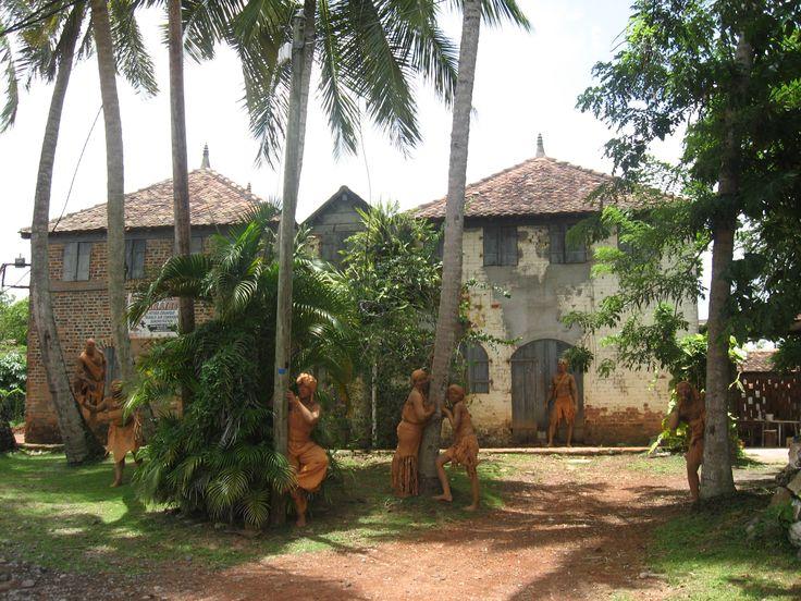 LE VILLAGE DE LA POTERIE - Maison - - Jardin > Artisanat d'art LES TROIS-ÎLETS
