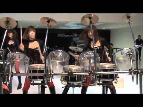 The incredible all girl all drum band from Seoul rock the Seoul Motor Show 2011.