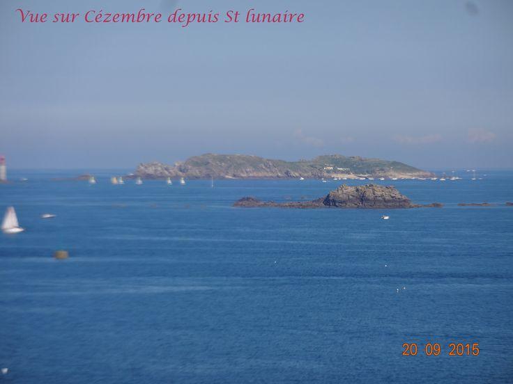 Vue sur Cézembre depuis Saint-Lunaire