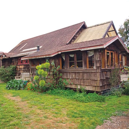 DIY veteran Lloyd Kahn shares the tried-and-true tools and techniques that have kept his half-acre homestead humming for 40 years.