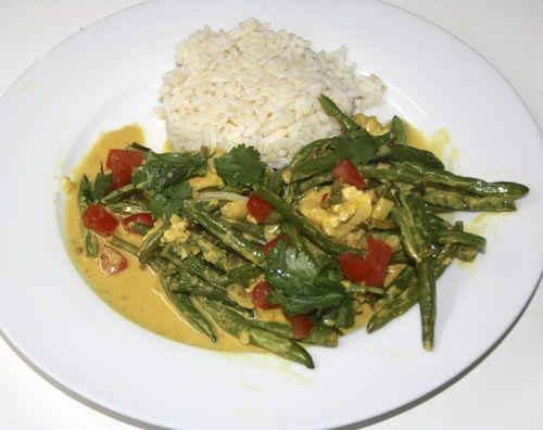Een Thaise curry zonder gebruik van currypasta uit een potje. Me like!