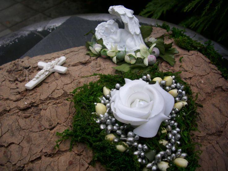 Grabschmuck Engel Rose weiss Rinde Kreuz Herz Grabdeko