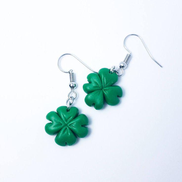 Clover Earrings,Saint Patrick's Day Earrings, Shamrock Earrings, Shamrock Jewelry, Four Leaf Clover Earrings, Irish Earrings #myfimo #bystellakyriakou #etsy #polymerclayjewelry #handmade #handmadejewelry #jewelry #earrings #green #stpatricksday #saintpatricksday #luckyearrings #cloverearrings #shamrockearrings #shamrockjewelry http://etsy.me/2CnkrTi