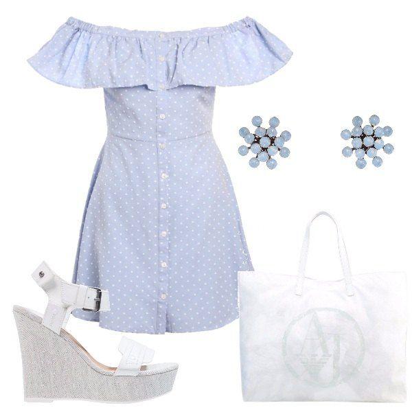Outfit composto da chemisier con collo a barca e balza celeste a pois bianchi, sandalo alto bianco con zeppa, shopping bag bianca di Armani e orecchini celesti con pietre.