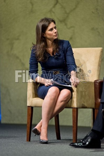erin brown legs | Erin Burnett attends the Cable Show 2011 at McCormick Place on June ...