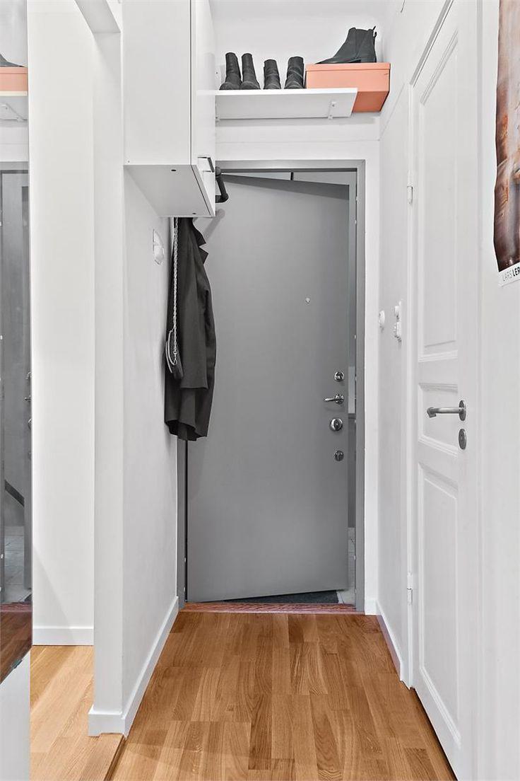 snyggt med grå ytterdörr
