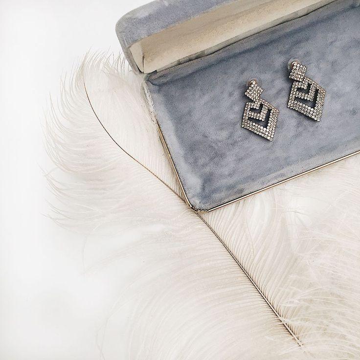 Our earrings Faba, an instant classic. 💕 #boudoir1861#wedding #weddinginspiration #boho #getinspired #vintage #bridesmaids #bride #decoration #dress #elegant #beautiful #whitedress #vintagedress #simpledress #pretty #white #earrings