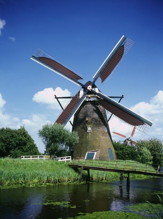windmills | The Netherlands is known for historic windmills. (Image courtesy of ...
