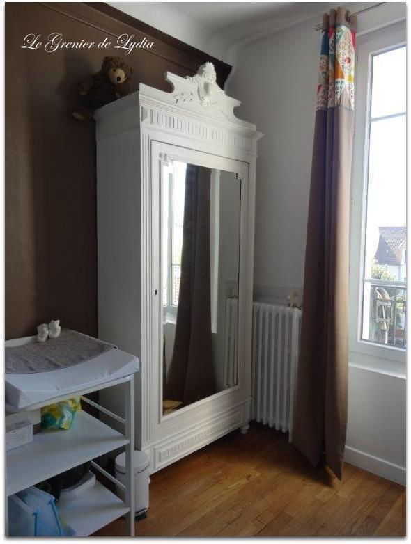 Décoration d'une chambre de bébé et relooking d'une armoire ancienne