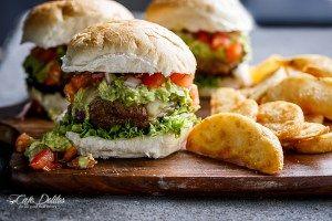 Carne Asada Guacamole Burgers | http://cafedelites.com