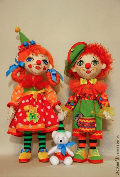 Коллекционные куклы ручной работы. Ярмарка Мастеров - ручная работа авторская коллекционная кукла клоун Антошка и клоунесса Иришка. Handmade.