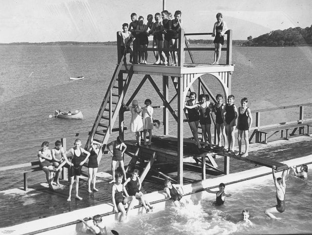 Bathers at the Manly Swimming Baths, Brisbane, Queensland, 1936 #brisbane #queensland #manly #history #1930s #summer #beach #pool #vintage