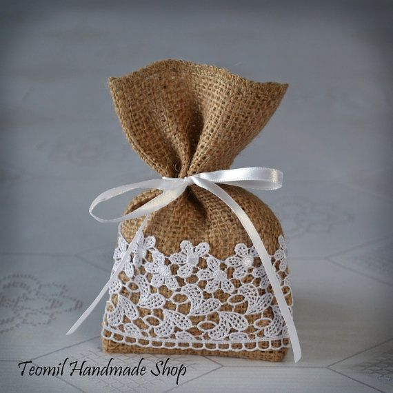 Candy Favor Bag, Wedding Burlap Gift Bag, Guest Favor Bag, - SET OF 25: