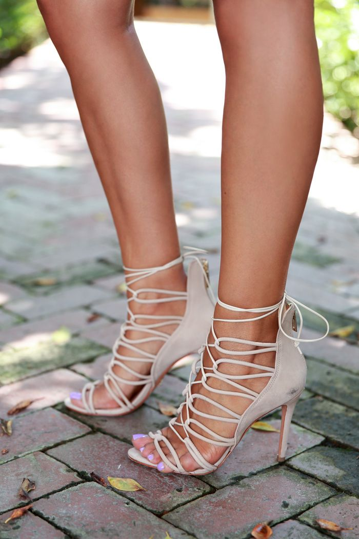 pretty toes & strappy nude heels!!