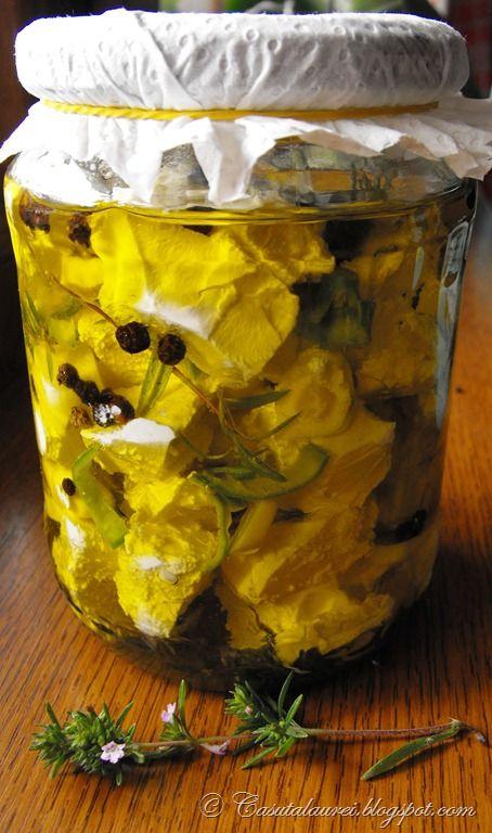 Marinata de feta sau telemea, reteta mediteraneana care duce aroma si gustul al un nou nivel de rafinament