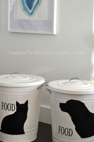 Create your own pet food storage containers with an #IKEA trashcan and #Silhouette machine! Perfect storage solution for your #pets