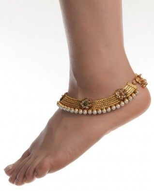 #Exclusivelyin, Classic Golden Anklets With Faux Pearls