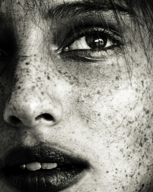 Freckles<3: Faces, Beautiful, Beauty, Freckles, Portraits, People, Photography, Black, Eye